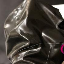 Latexová maska v detailu
