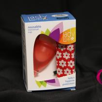 Menstruační kalíšek v balení