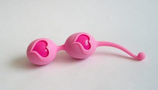 Posilte své pánevní dno – venušiny kuličky Feelztoys Desi Pink