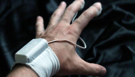 Dráždič klitorisu – prstový vibrátor JimmyJane Hello Touch