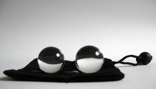 Koulely se koulely dvě skleněné kuličky – RECENZE Ben Wa ze skla