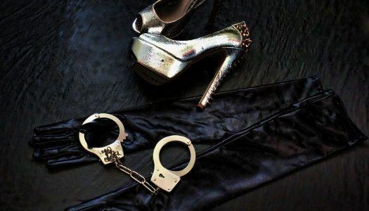 """Můj manžel je """"úchyláček"""" a já jsem romantička… ROZHOVOR s blogerkou Dark Mínou nejen o sexu"""