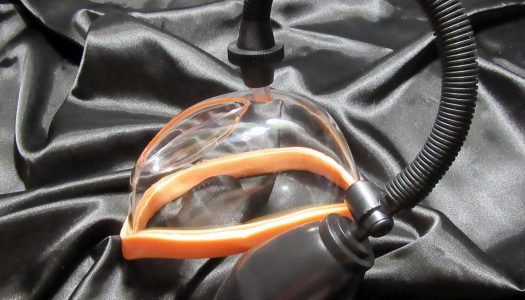 Zábava ve vákuu = RECENZE podtlakové vibrační pumpy