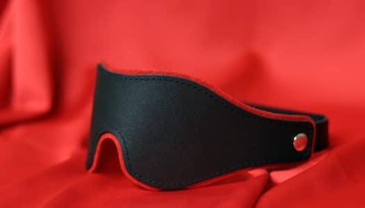 Když potřebujete oslepnout… RECENZE kožené masky na oči BlackRed