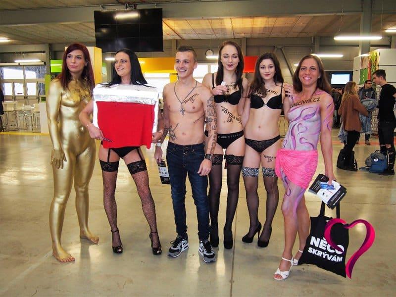 Lascivní hostesky a Erotický festival v Praze