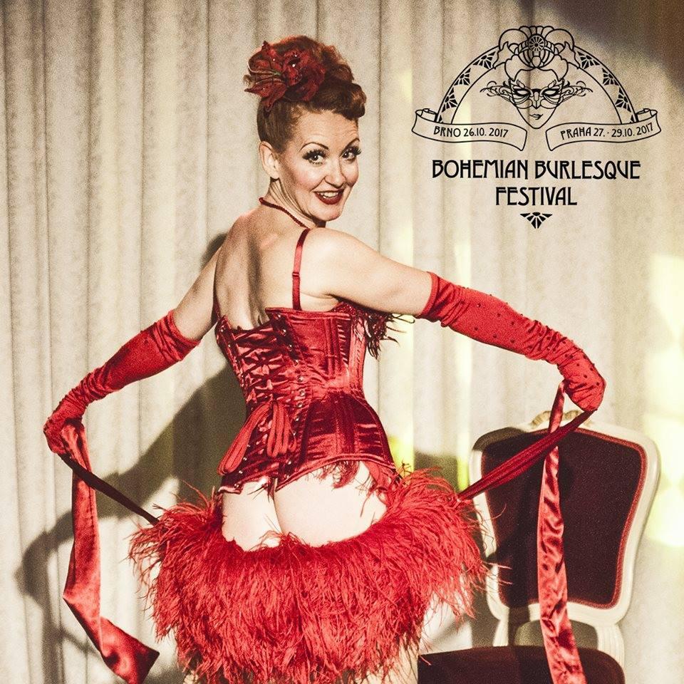 Amber Topaz z Anglie, loňská Bohemian Queen po svém vítězném výstupu (foto Agience Photography)