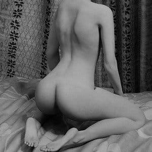 nahá krásná žena